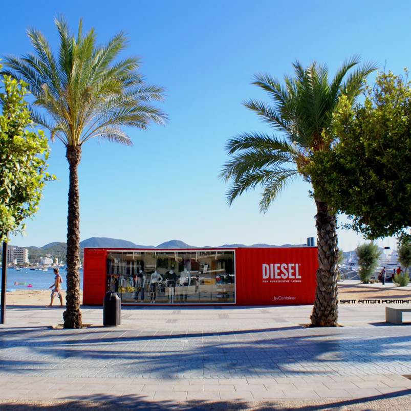 container-custom-Pop-Up-Store-Diesel-Sant-Antoni-Ibiza-3