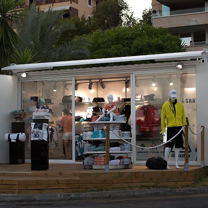 container-custom-Pop-Up-Store-Gaastra-Puerto-Portals-Mallorca-3